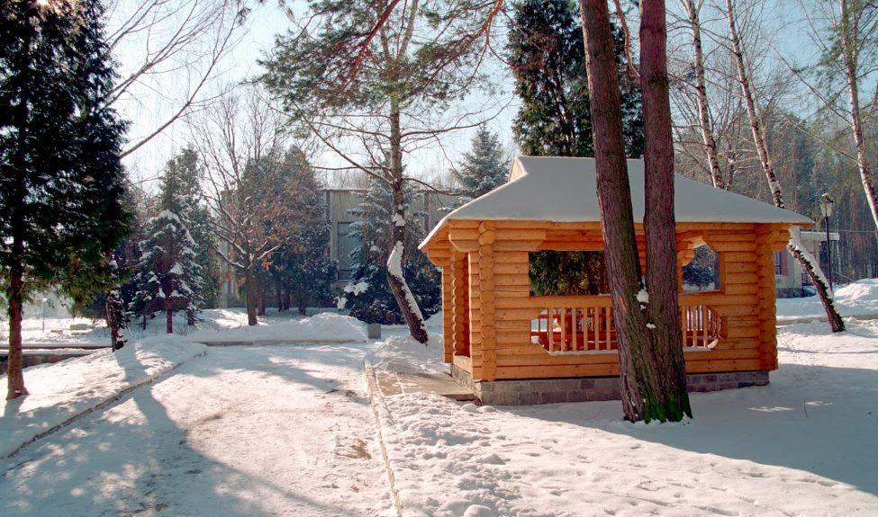 Територія біля санаторію Моршинський
